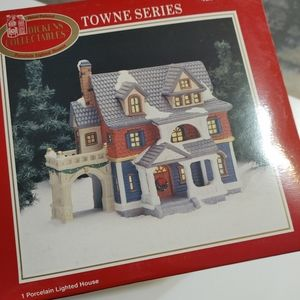 Dickens Collectibles Towne Series Porcelain House